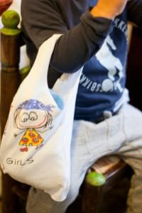 camiseta en bolsa